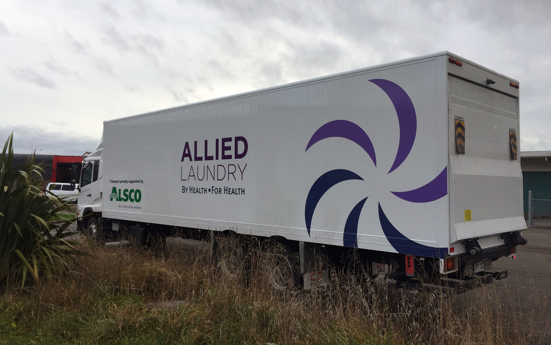Allied Laundry - Freight Truck